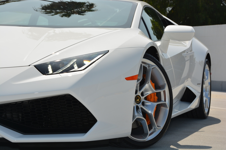 rent the all new lamborghini huracan. Black Bedroom Furniture Sets. Home Design Ideas